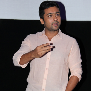 Anjaan Press show photos