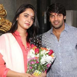 Inji Iddupazhagi Movie Launch stills