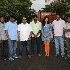 Eskimo Kadhal Movie Pooja Stills