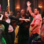 Velainu Vandhutta Vellai Kaaran movie stills