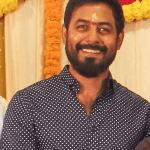 'பிக்பாஸ்' ஆரிக்கு வில்லனாகும் 'ஜிமிக்கி கம்மல்' நடிகர்
