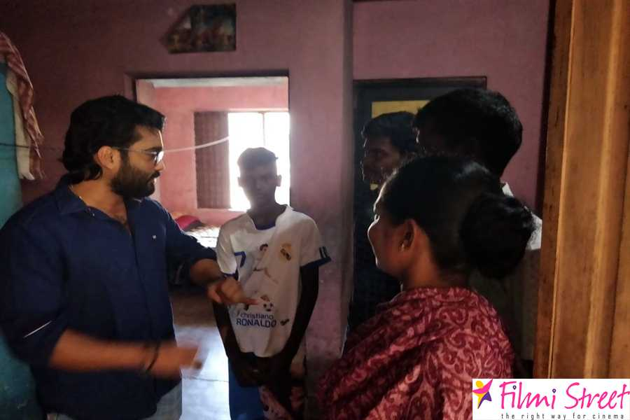 Actor Praba helps to poor people photos