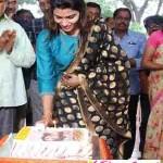 குரு வணக்கம் & சிலம்பாட்டத்துடன் தன்ஷிகாவின் பிறந்த நாள் விழா