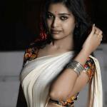 நெட்டிசன்களை கிக் ஏற்றி தள்ளாட வைத்த  நடிகை தர்ஷா குப்தா