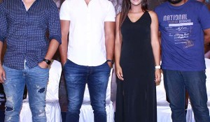 Iruttu Araiyil Murattu Kuthu Press meet stills