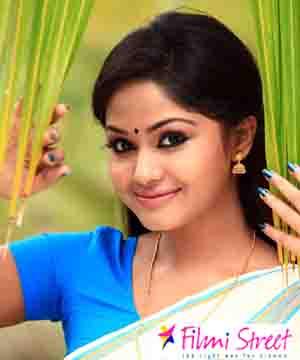 Kerala Actress Shritha Sivadas to romance with Santhanam for Dhillukku Dhuddu 2