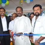 Vairamuthu inaugurates medway hospitals