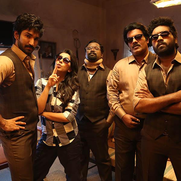 Maragatha Naanayam Movie Stills