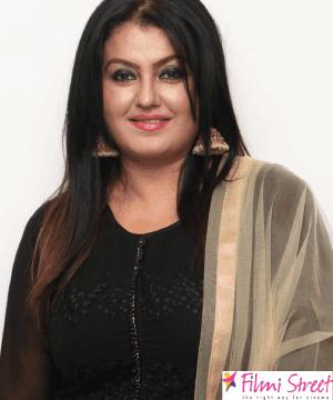 என்னை தவறாக சித்தரிக்க வேண்டாம் – நடிகை சோனா வேண்டுகோள்!