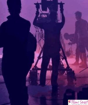 நடிகர் நடிகைகளின் 50% சம்பளத்தை குறைக்க தயாரிப்பாளர்கள் முடிவு