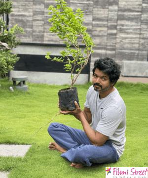 மகேஷ் பாபு விடுத்த Green India Challenge..; செய்து காட்டிய தளபதி விஜய்.!