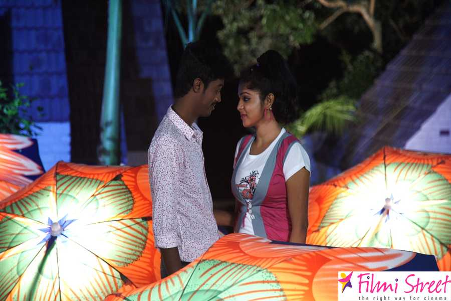 Paarka Thonuthe movie stills