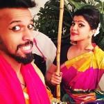 ஷார்ட் & ஸ்வீட்…. ஹாலிவுட்டில் விருது பெற்ற பூஜா தேவாரியா
