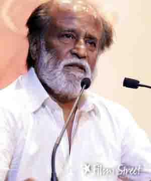 நீண்ட நாட்களுக்கு பிறகு அரசியல் குறித்து ரஜினி வாய்ஸ்
