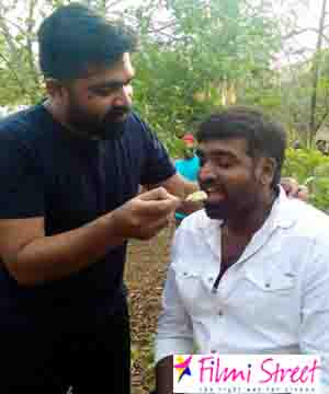 STR and Vijay Sethupathi fun moment at Chekka Chivantha Vaanam spot