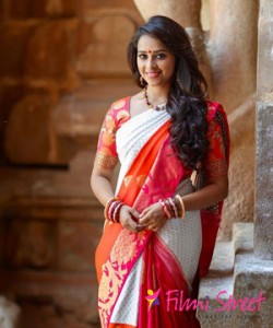Sridivyas Special Appearance in Remo