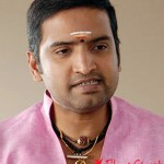 செல்வராகவனை அடுத்து, கௌதம் மேனனுடன் சந்தானம்