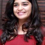 96 படத்தில் நடித்த சின்ன த்ரிஷா ஹீரோயினாக அறிமுகம்