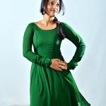 விஜயகாந்த் & ஜெயராமின் ஆசிர்வாதம் பெற்ற மலையாள நடிகை மீனாட்சி
