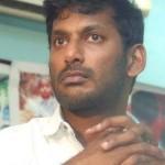 Breaking : தயாரிப்பாளர் சங்கத்திற்கு  பூட்டு; விஷாலை விளாசும் எதிர் அணியினர்